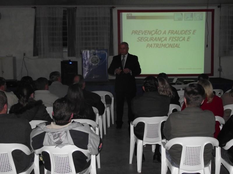 Palestra Prevenção á fraudes e segurança patrimonial aconteceu em Itaiópolis
