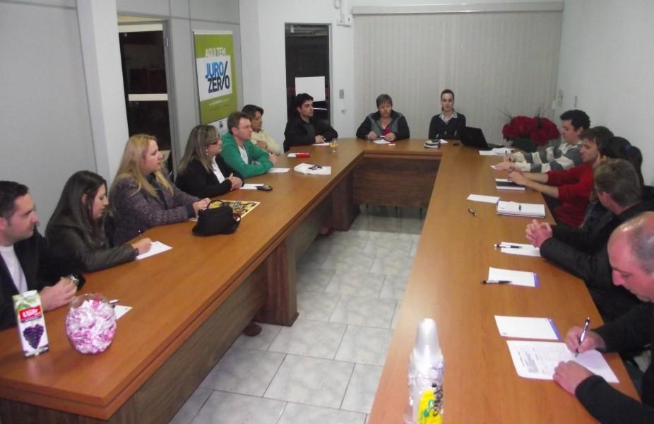 Núcleo de Jovens Empreendedores de Itaiópolis define ações para o mês de setembro