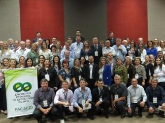 Executivos de ACIs participam de encontro da FACISC durante a Expogestão