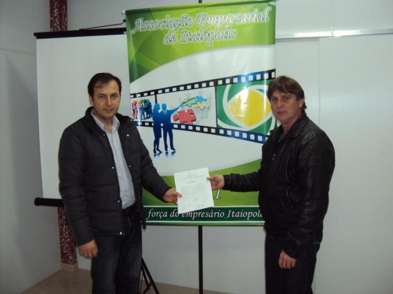 AEI entrega carta manifesto referente a importância do desvio de caminhões para as autoridades locais